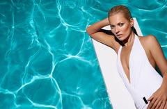at age 39, kate moss bares all for st. tropez self-tanning brand