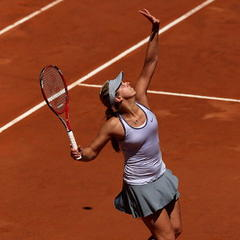 lisicki wins, kerber withdraws